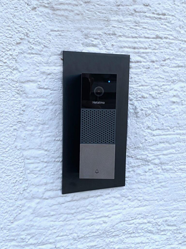Fertig montierte Netatmo Videotürklingel