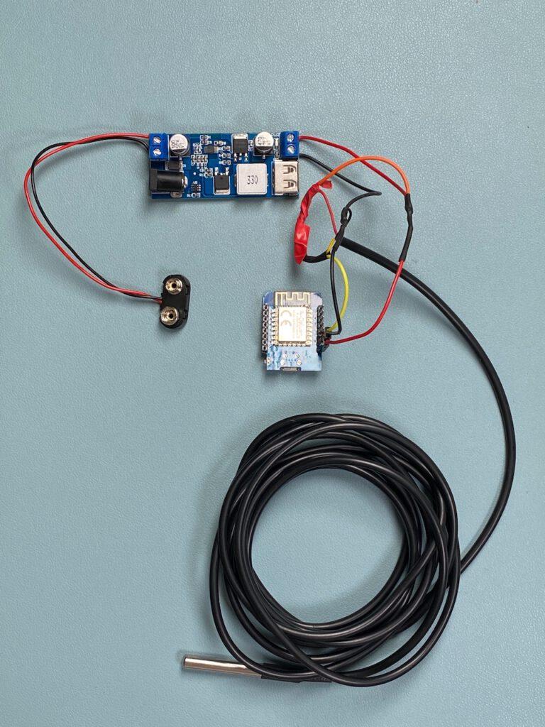 Verkabelung des Schaltplan D1 min und DS18B20 samt 4,7 Ohm Widerstand und Batterieclip zur Messung der Pool Temperatur